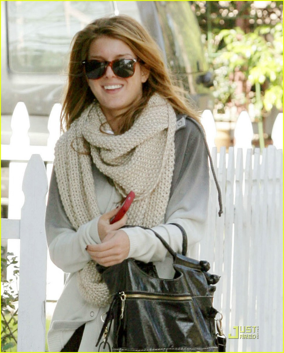 shenae grimes urth caffe05