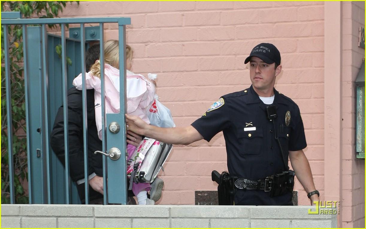 violet affleck ben affleck police escort 381672431