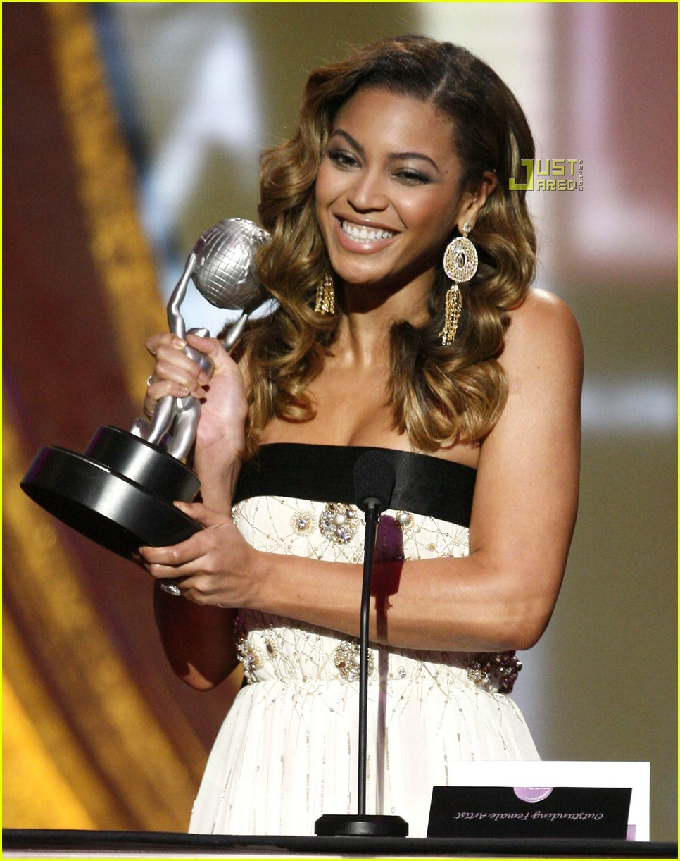 beyonce naacp image awards 17