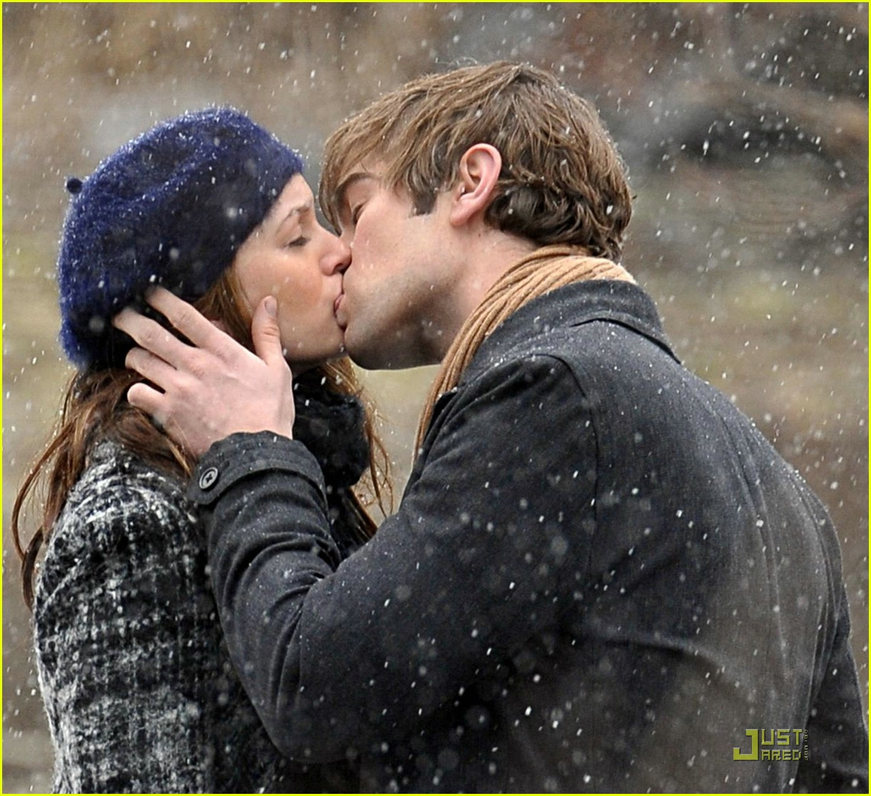 chace crawford kissing leighton meester 021699381