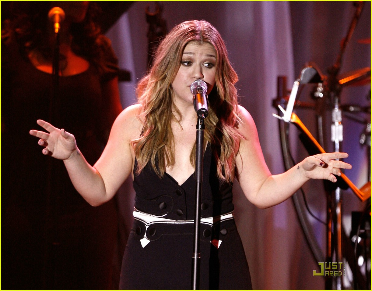 kelly clarkson clive davis salute 25