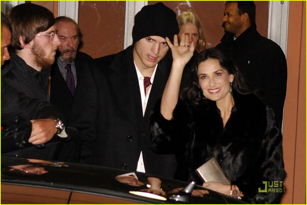 demi moore ashton kutcher berlin germany 09