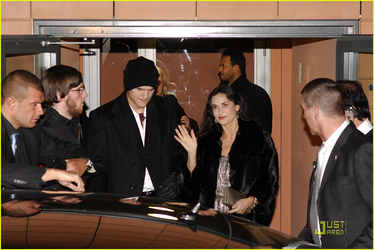 demi moore ashton kutcher berlin germany 141721001