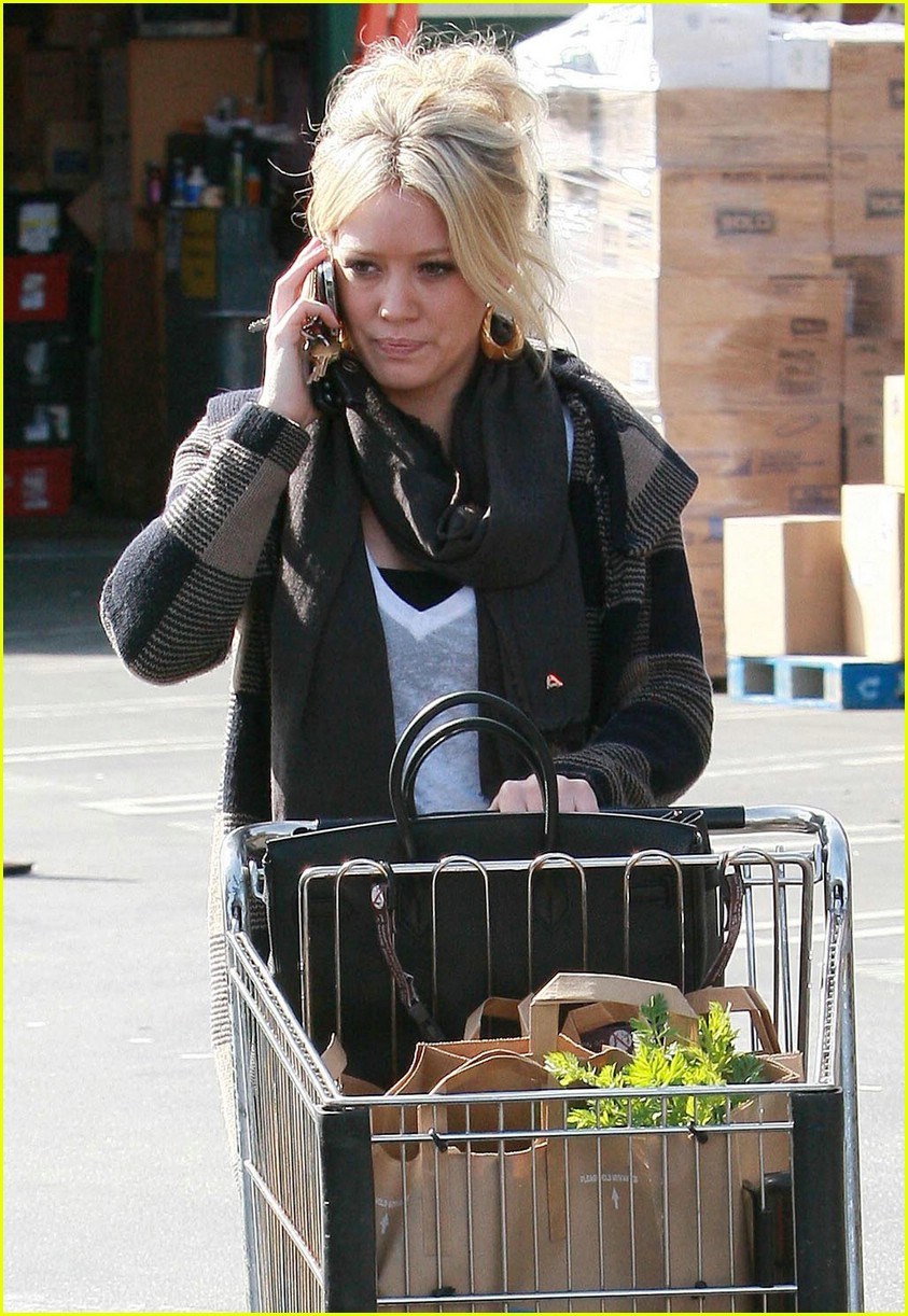 hilary duff whole foods 051739231