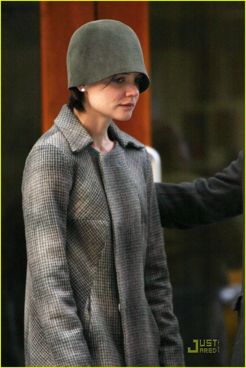 katie holmes crying scene 05