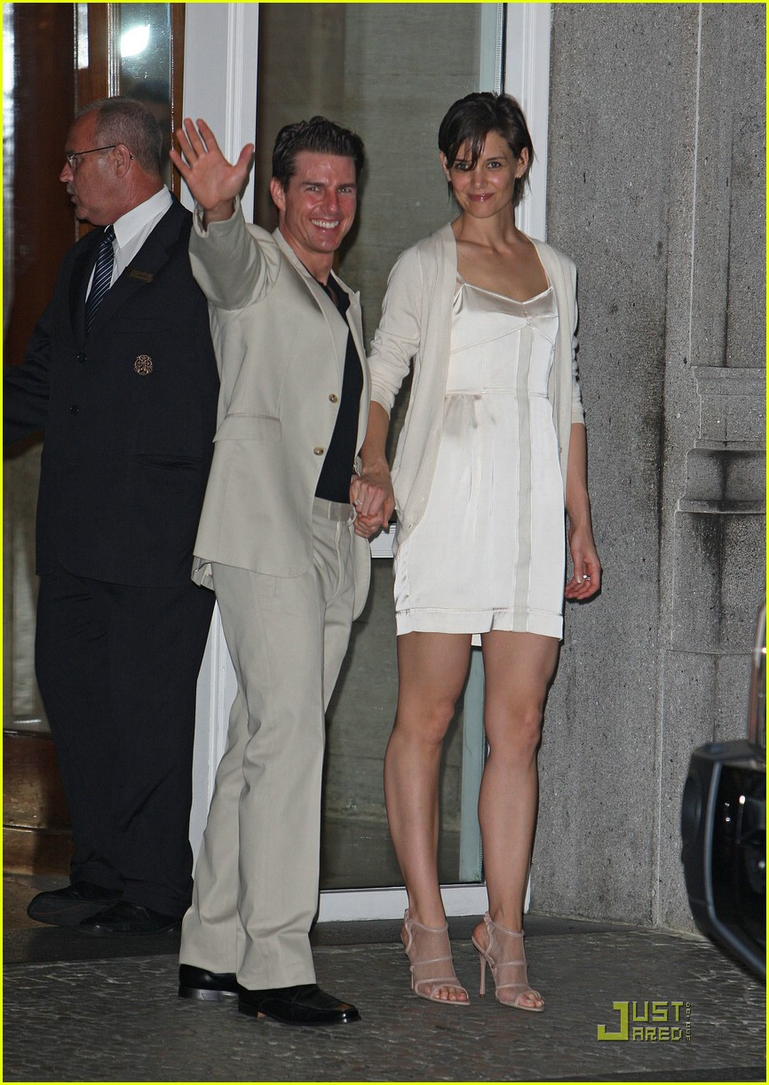 katie holmes whimsically white 06