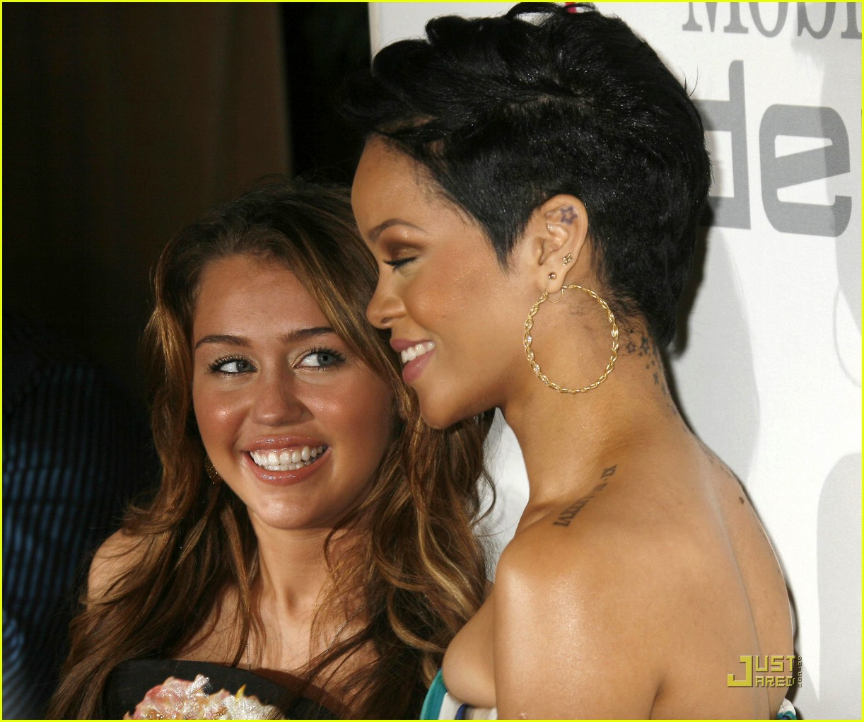 rihanna chris brown grammys 23