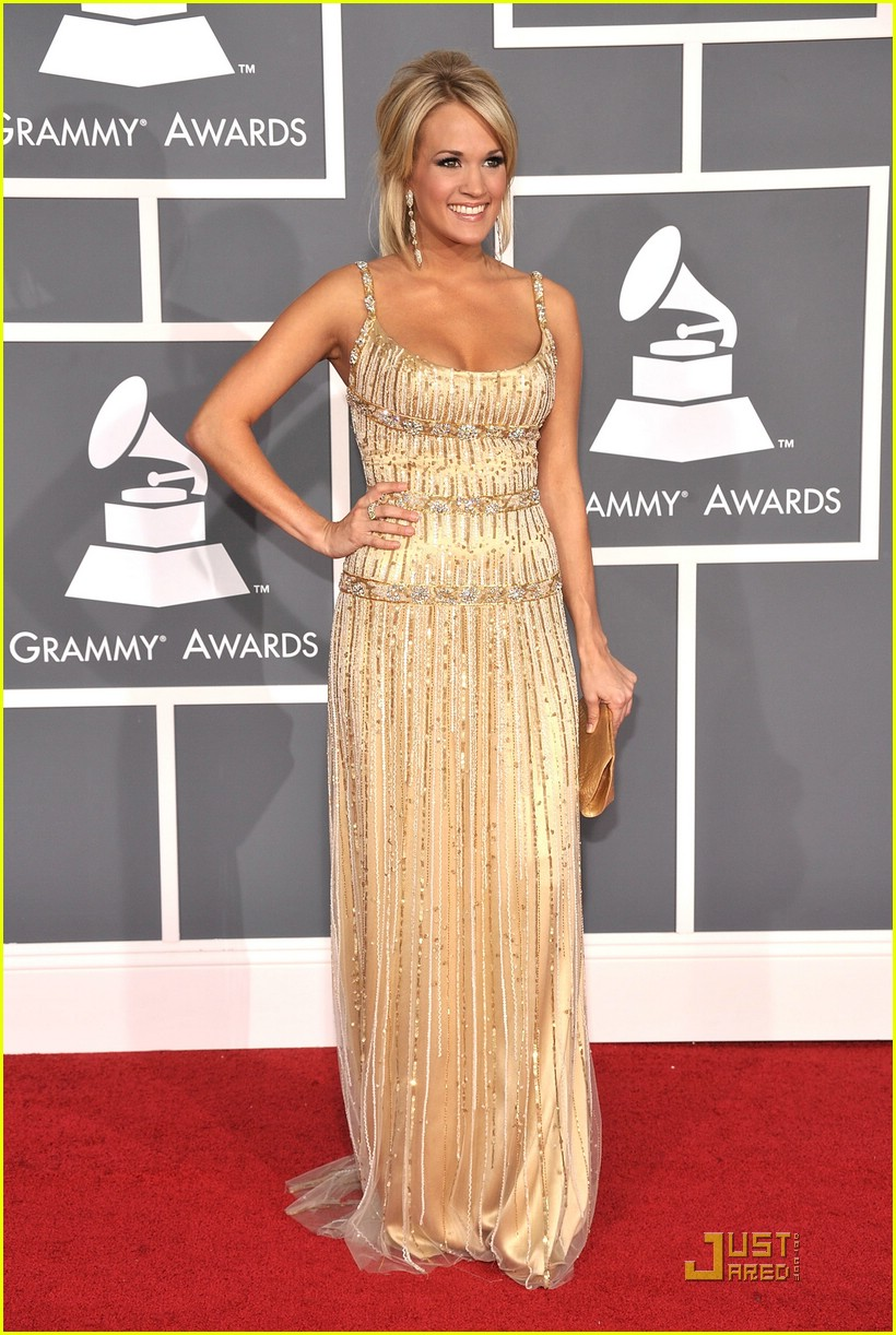 carrie underwood grammys red carpet 2009 01