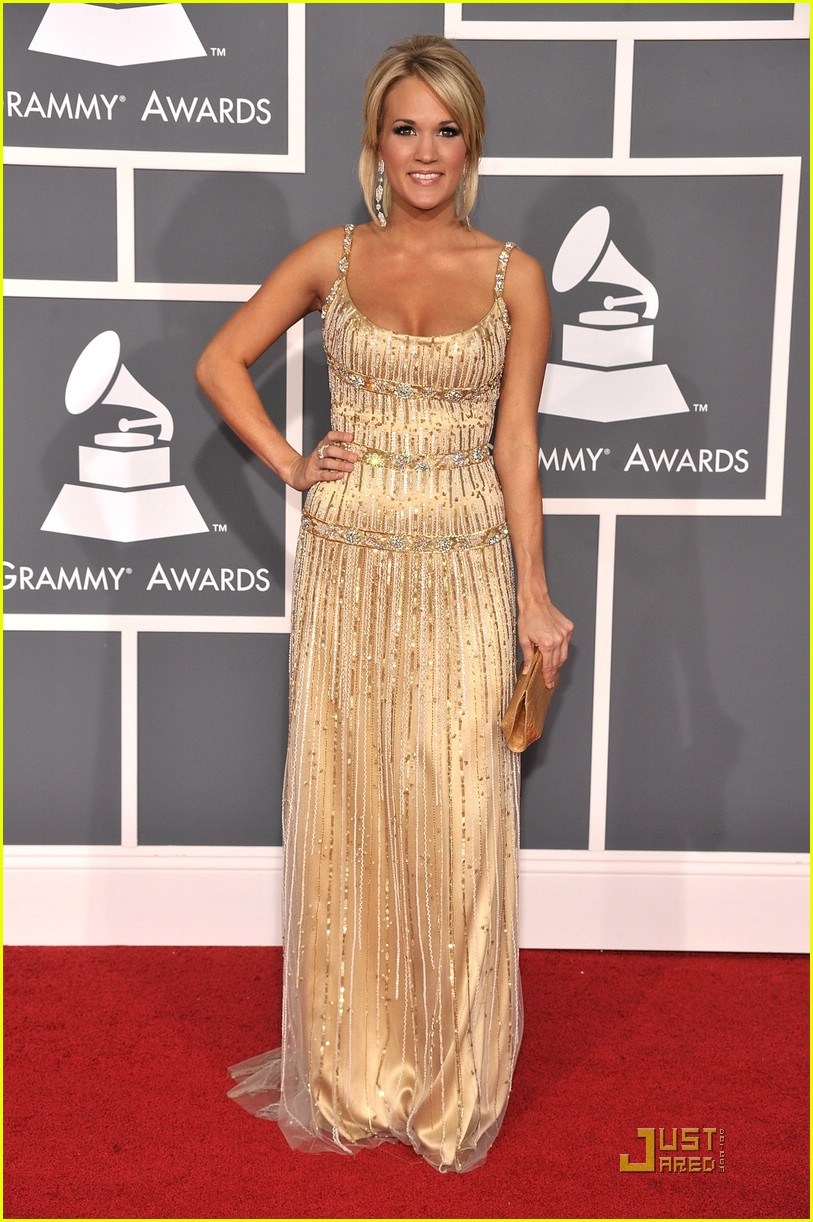 carrie underwood grammys red carpet 2009 03