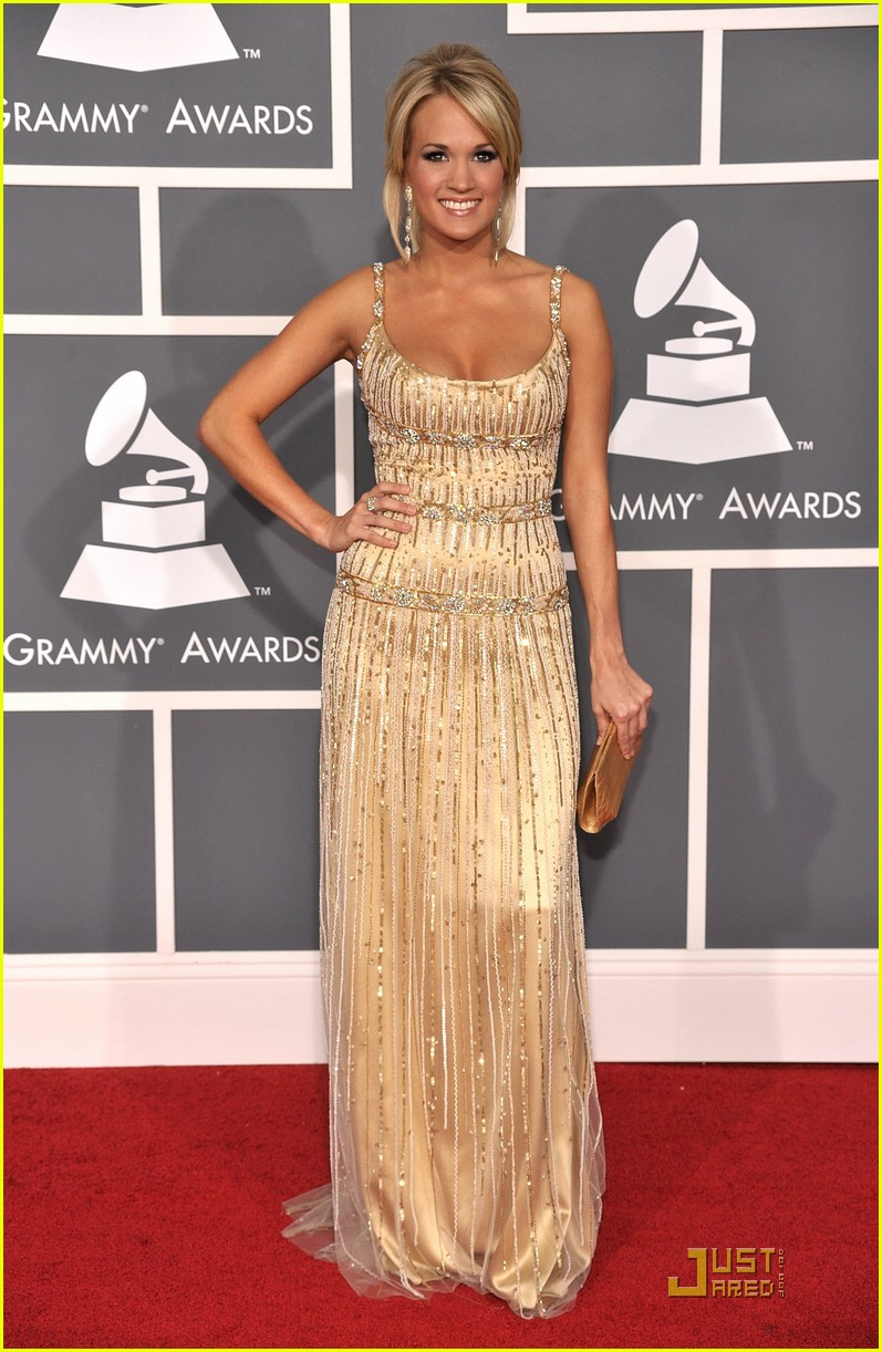 carrie underwood grammys red carpet 2009 15