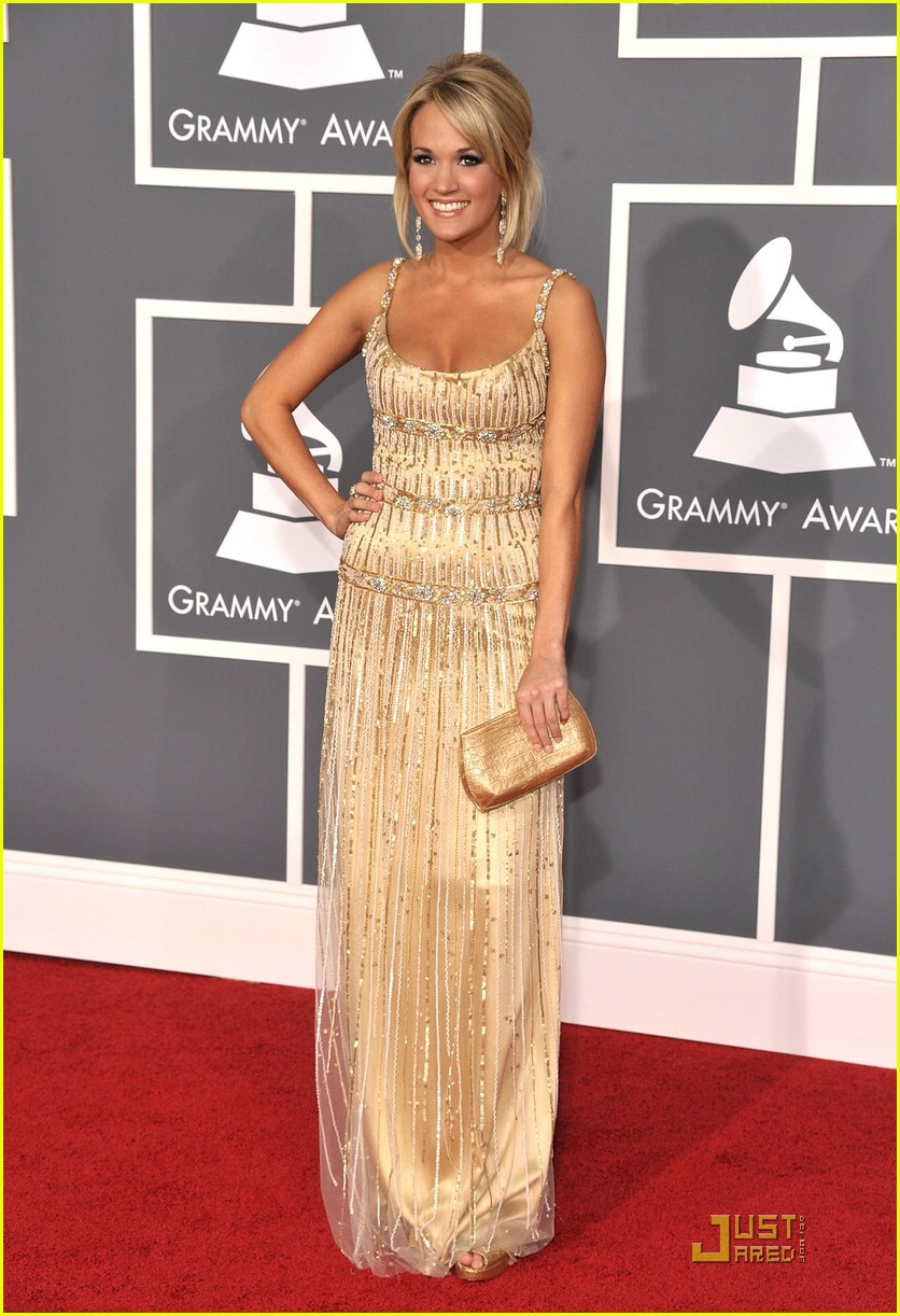 carrie underwood grammys red carpet 2009 25