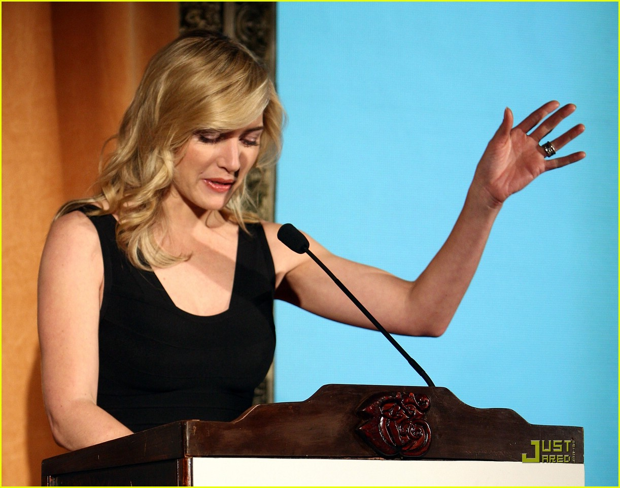 kate winslet honoring the irish 16