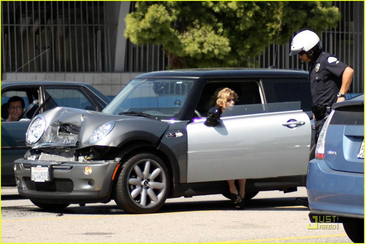 annalynne mccord car accident 03