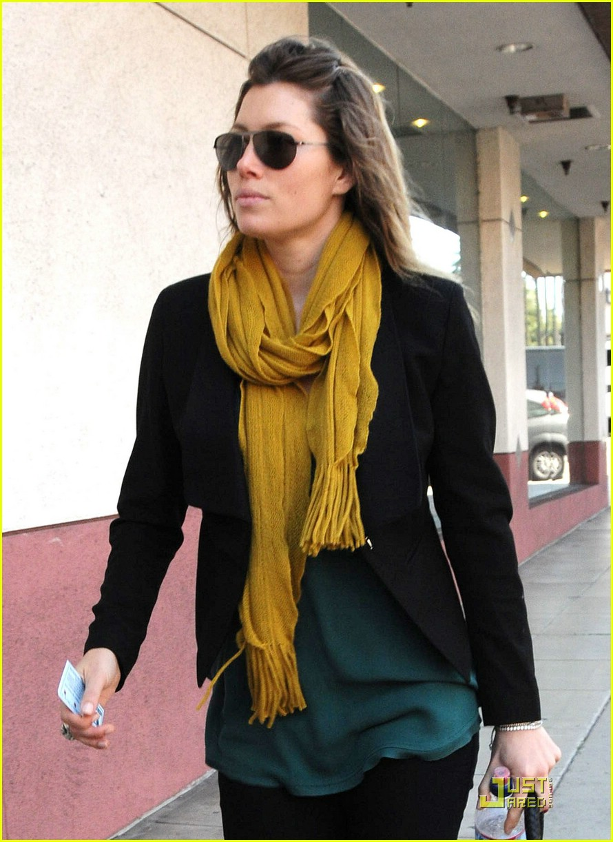 jessica biel beverly hills lunch 041823651