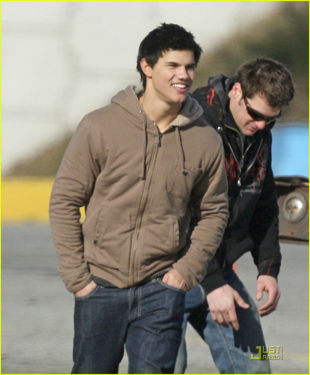 taylor lautner dirt bike 08