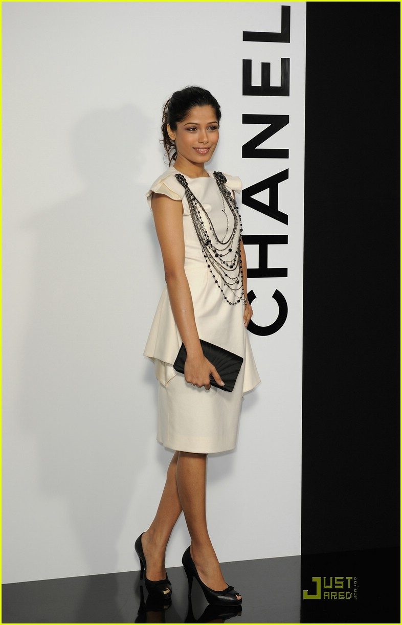 freida pinto chanel 01