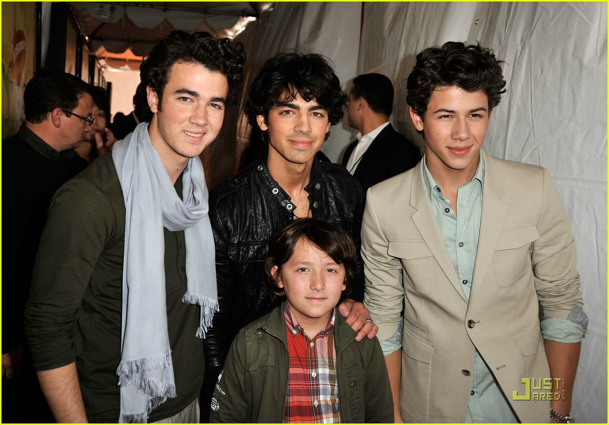 jonas brothers 2009 kids choice awards 041818511