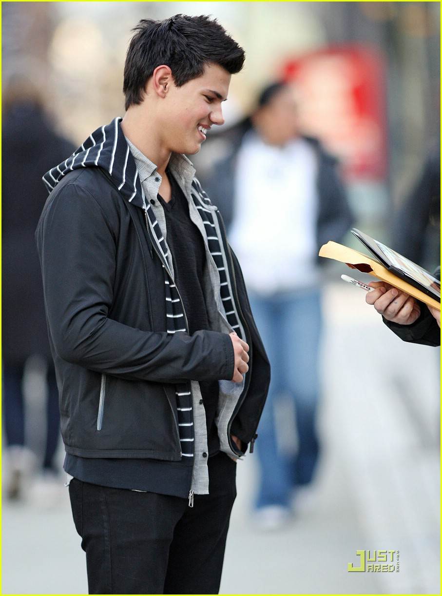 taylor lautner downtown dude 02