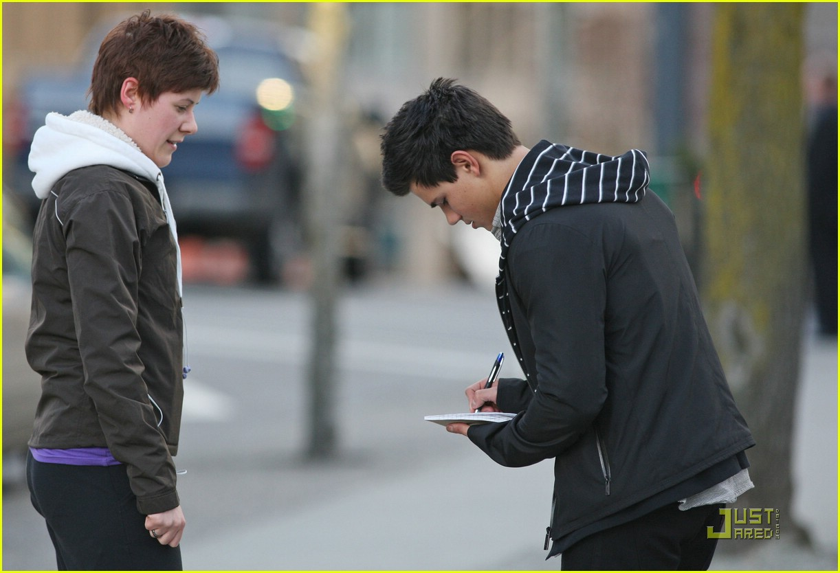 taylor lautner downtown dude 04