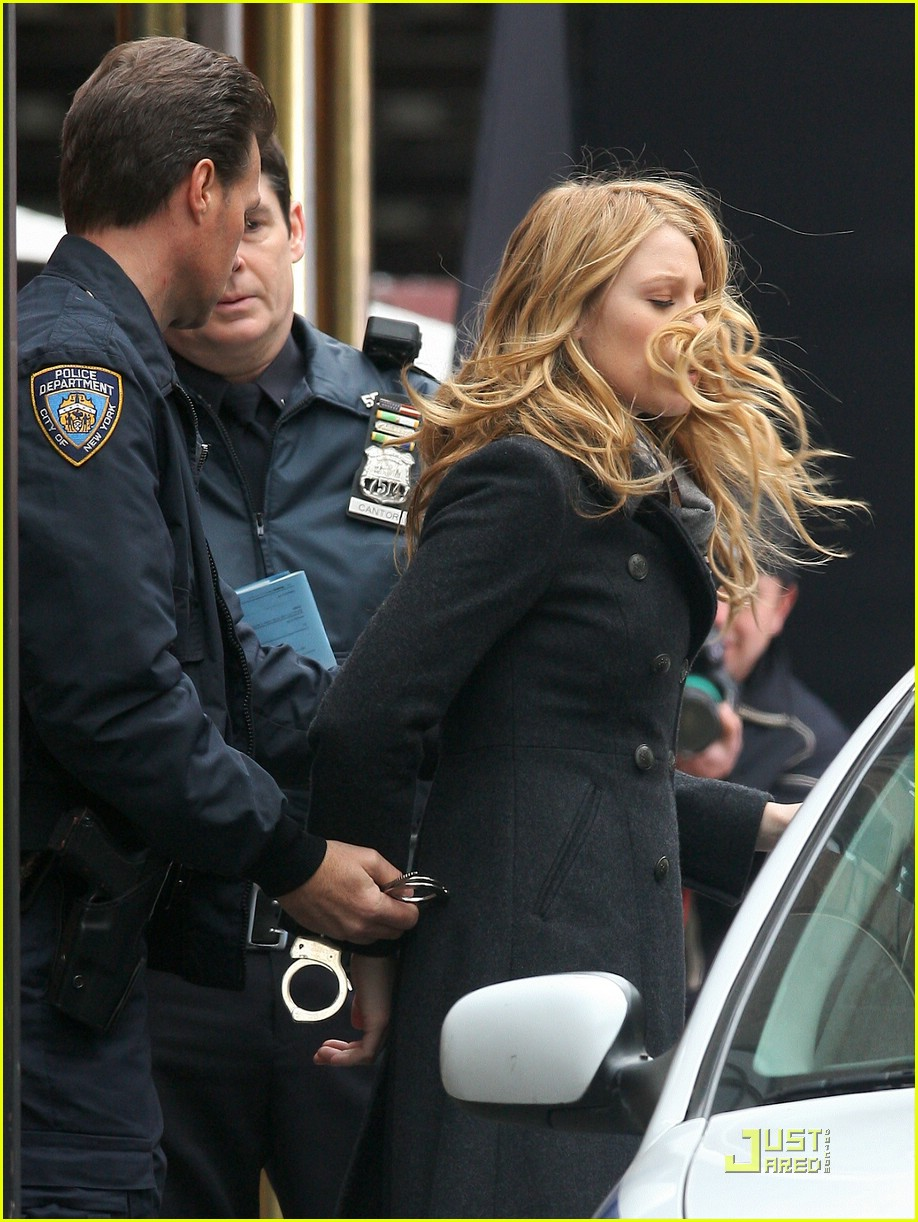 Blake Lively: Arrested!!!: Photo 1780781 | Blake Lively, Chace ...: www.justjared.com/photo-gallery/1780781/blake-lively-arrested-01