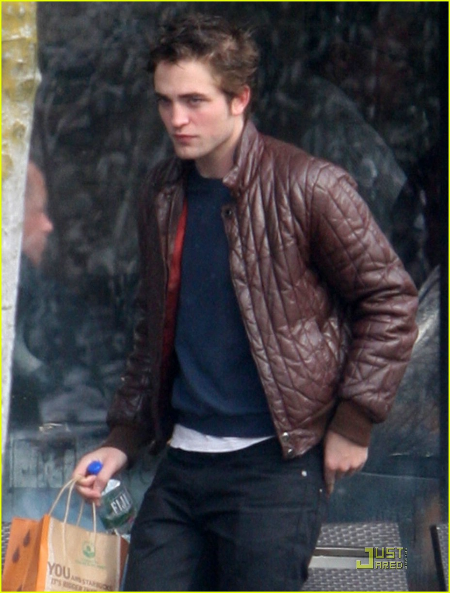 robert pattinson smoking 10