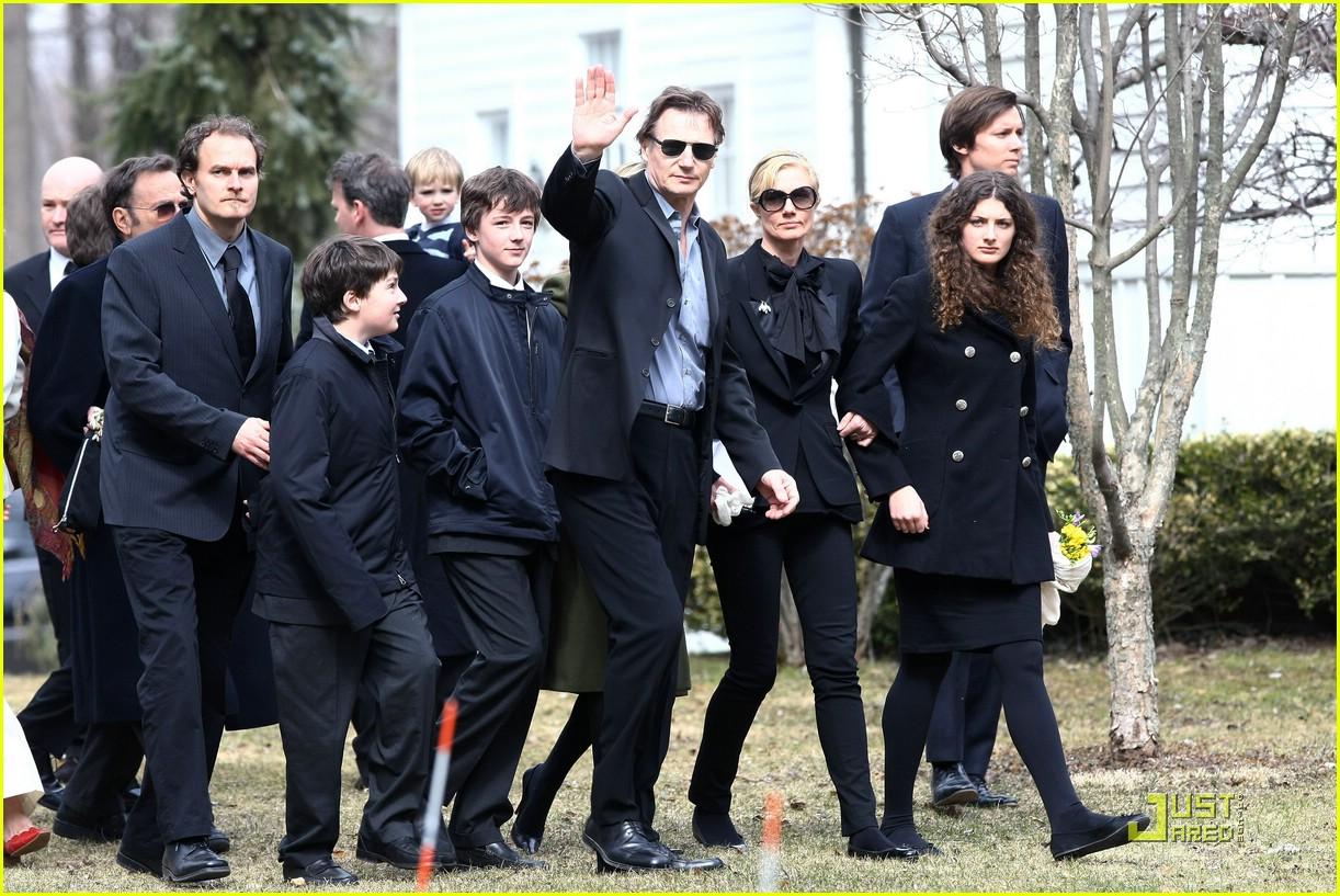 Natasha Richardson Is Laid To Rest: Photo 1806521 | Liam ...
