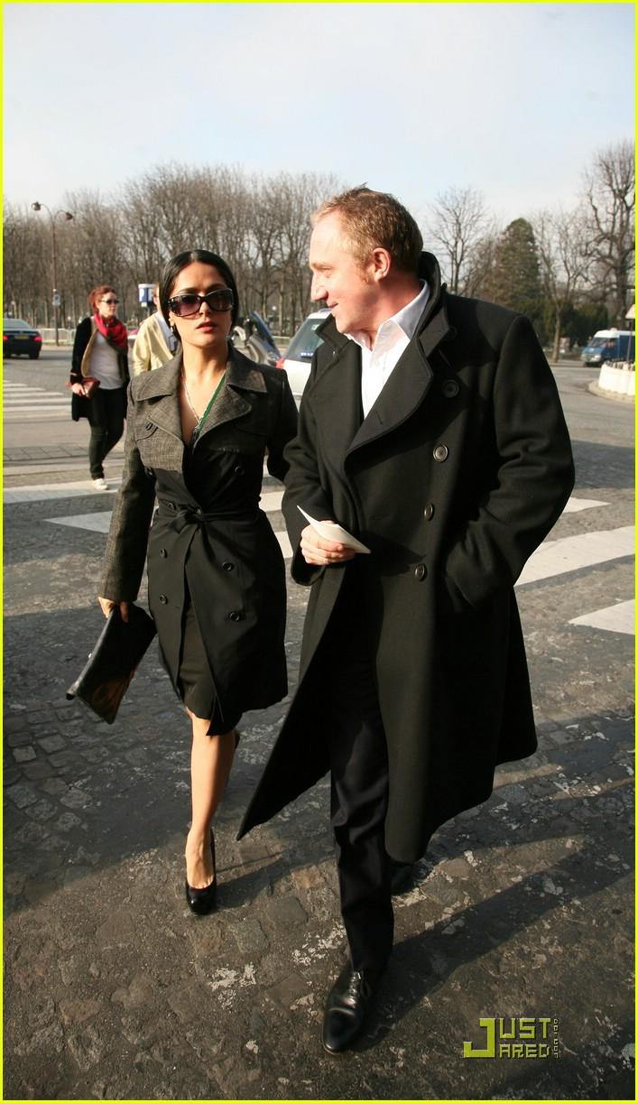 salma hayek francois henri pinault fashion week paris 01
