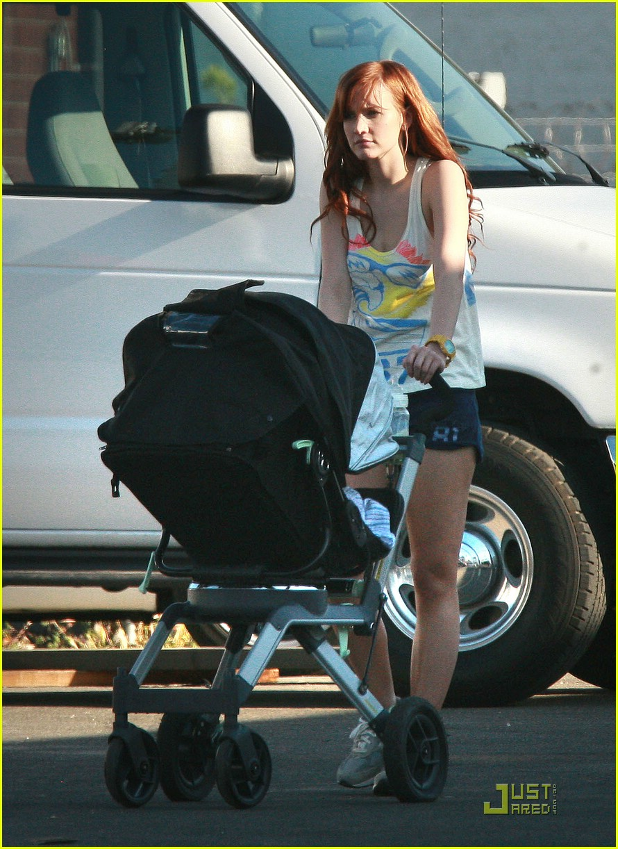 ashlee simpson violet foster 17