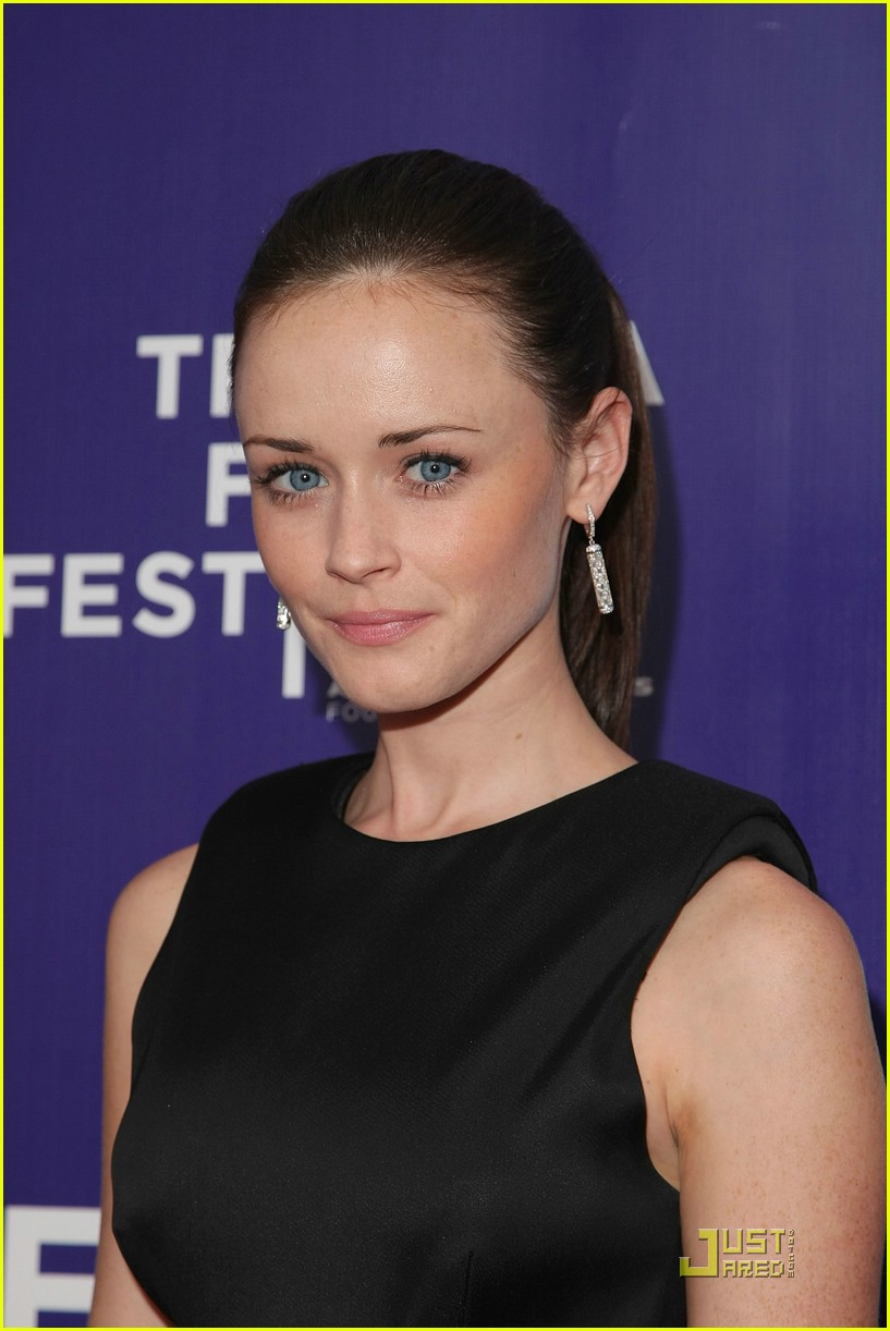 alexis bledel cut out acting 031881671