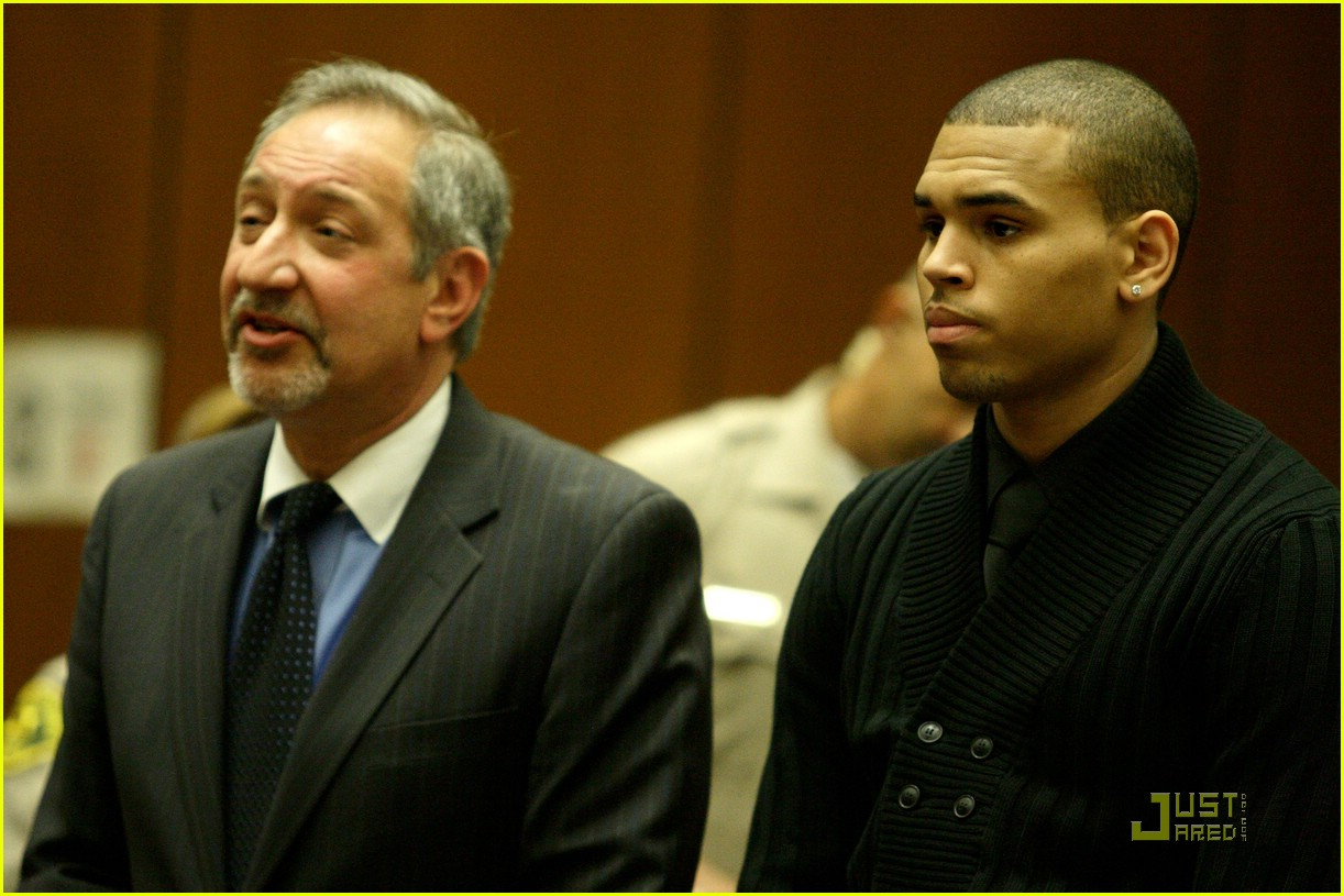 chris brown pleads not guilty 08