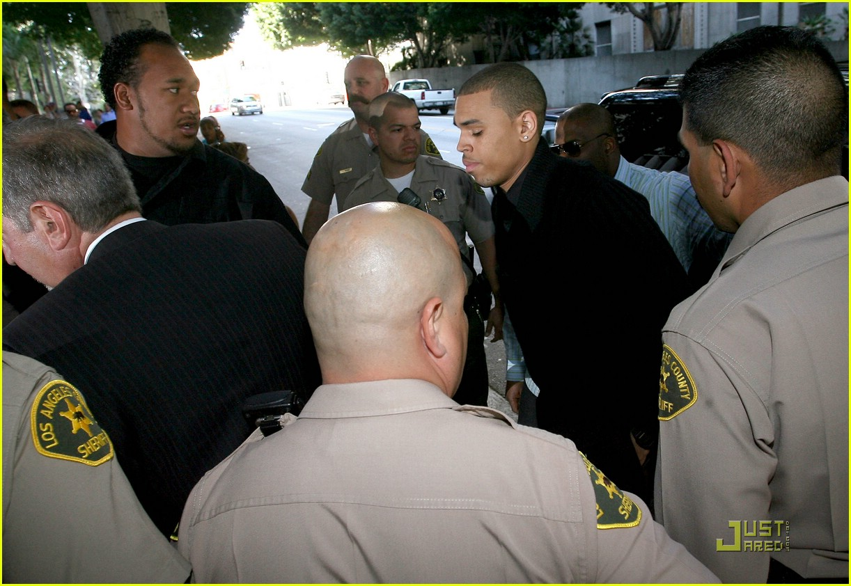 chris brown pleads not guilty 21