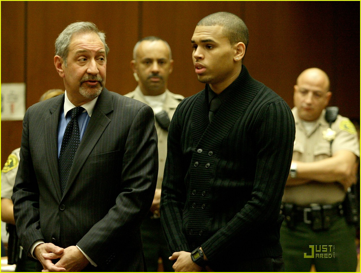 chris brown pleads not guilty 24