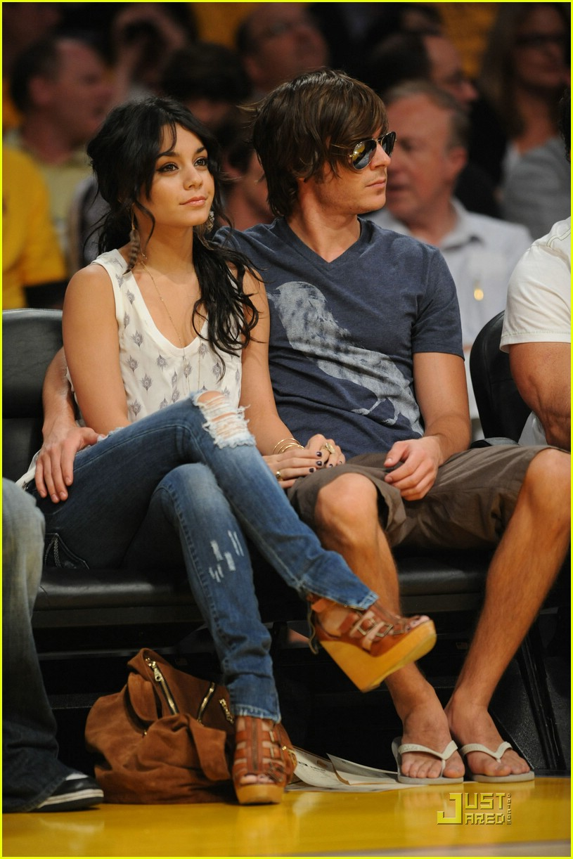 zac efron vanessa hudgens lakers 06
