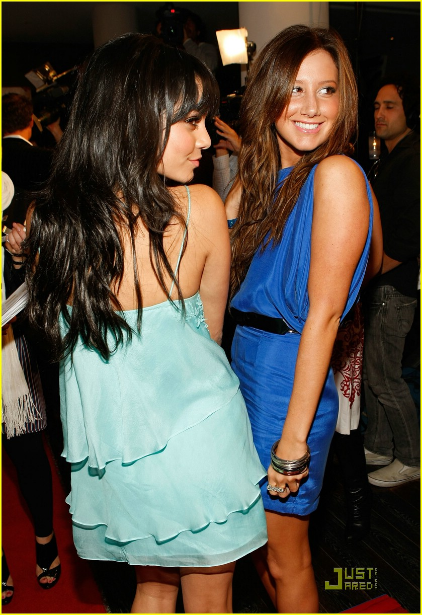 vanessa hudgens ashley tisdale lg lovely 02
