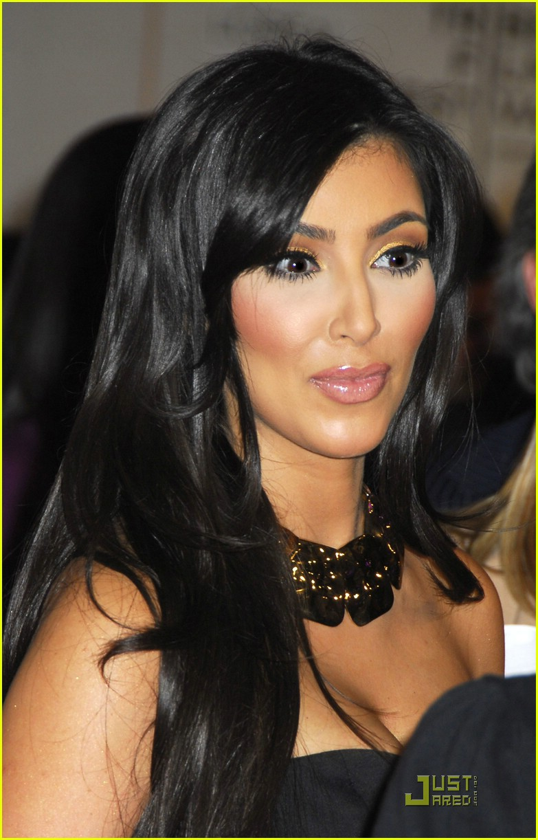 kim kardashian back black 15