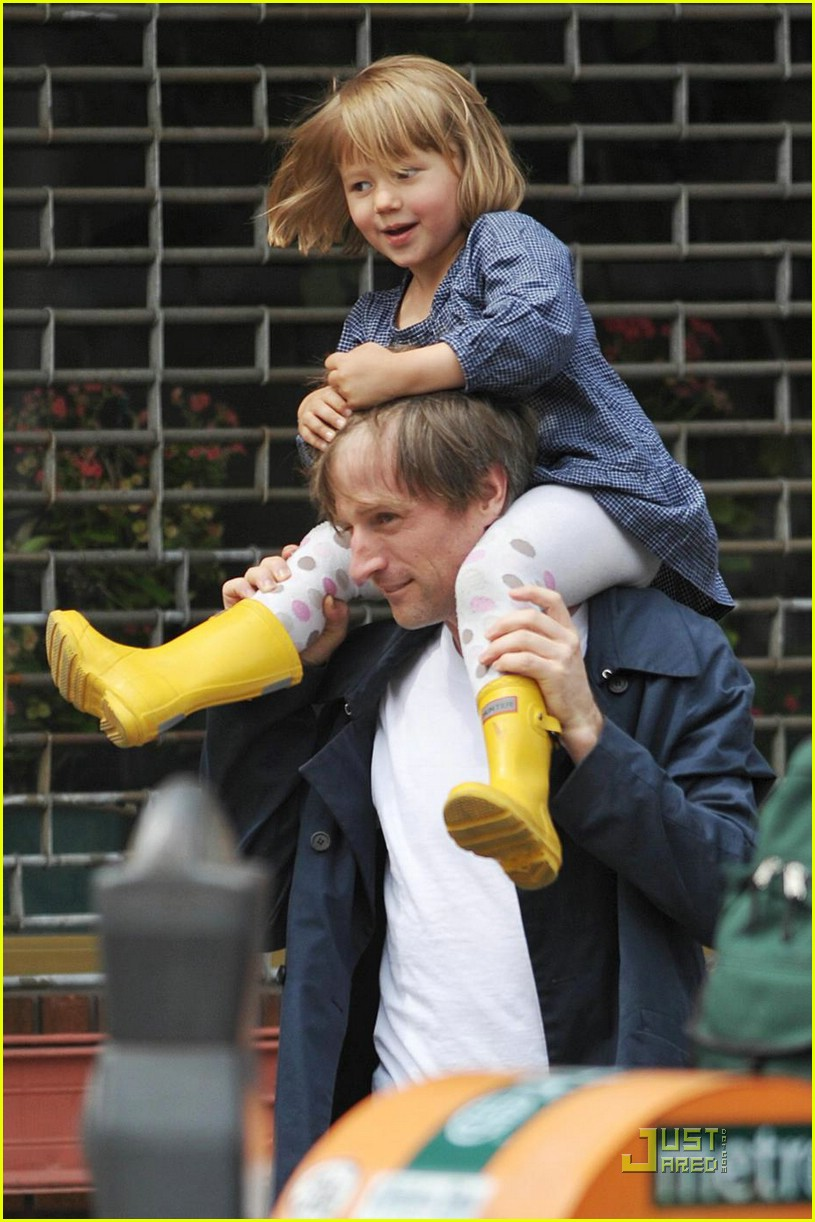 matilda ledger shoulder ride spike jonze 05