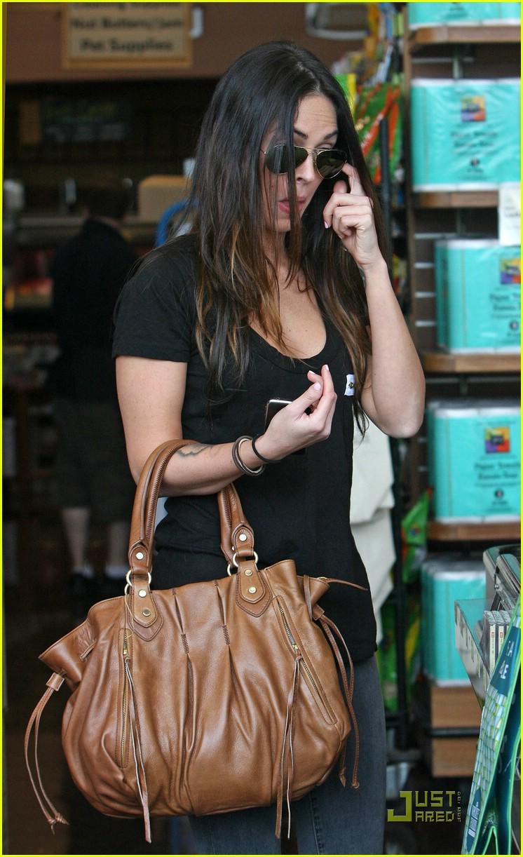 megan fox whole foods supermarket 06