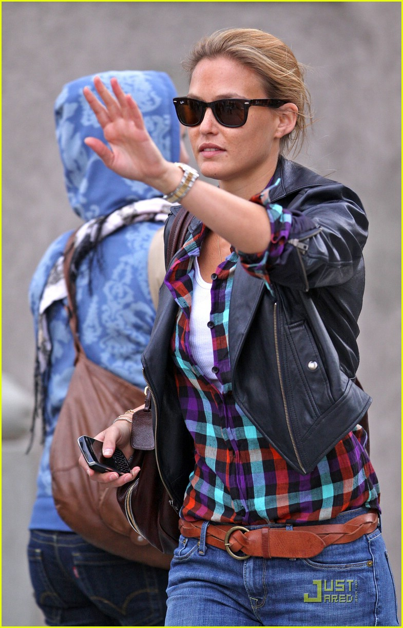 bar refaeli plaid 14