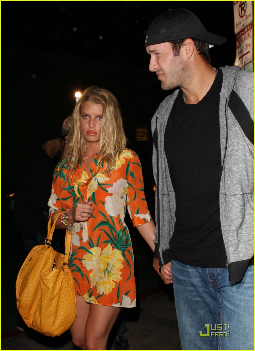 jessica simpson basks in beso 12