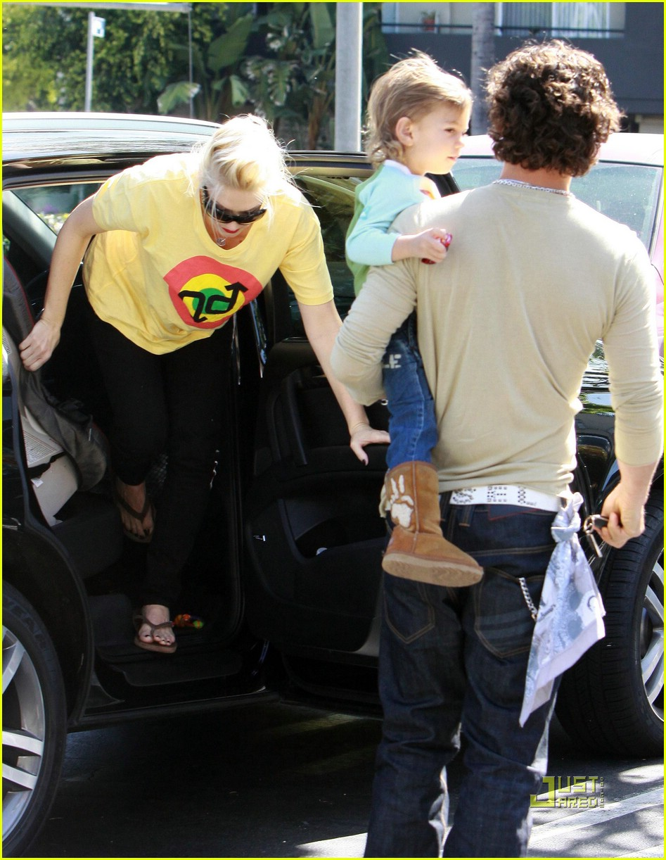 gwen stefani whole foods gavin rossdale 12