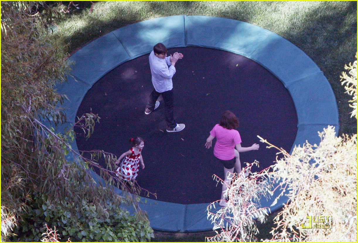 suri cruise trampoline birthday 03