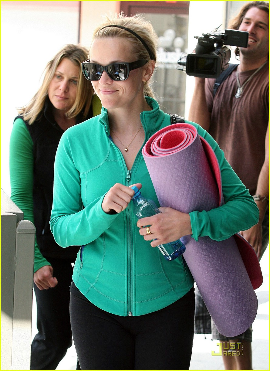 reese witherspoon maha yoga 09