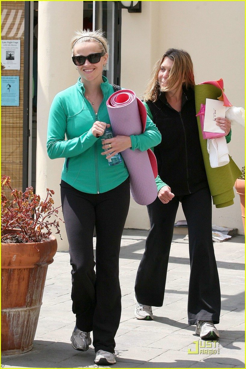 reese witherspoon maha yoga 11