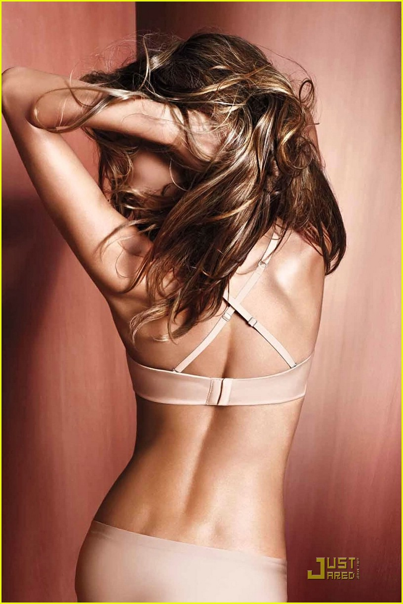 alessandra ambrosio victorias secret photoshoot 03