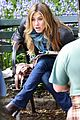 jennifer aniston plays in central park 04