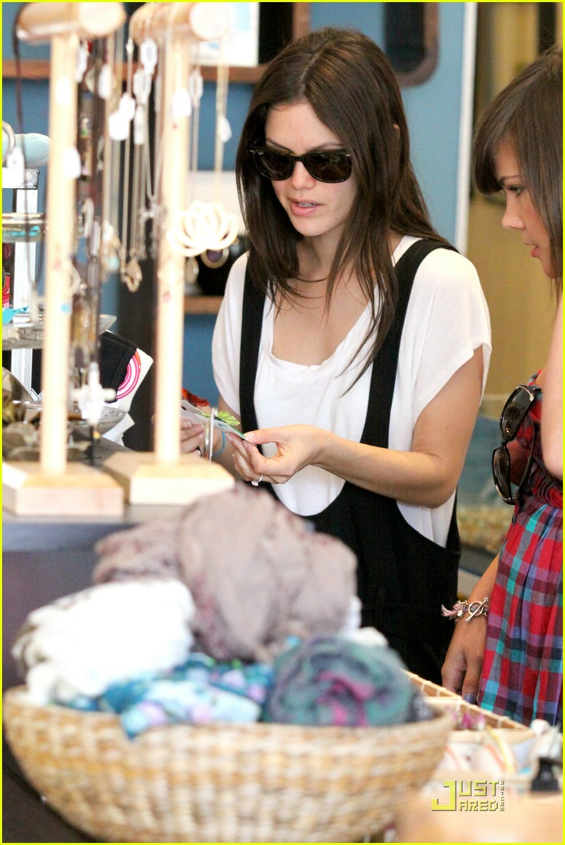 rachel bilson jumper joy 03