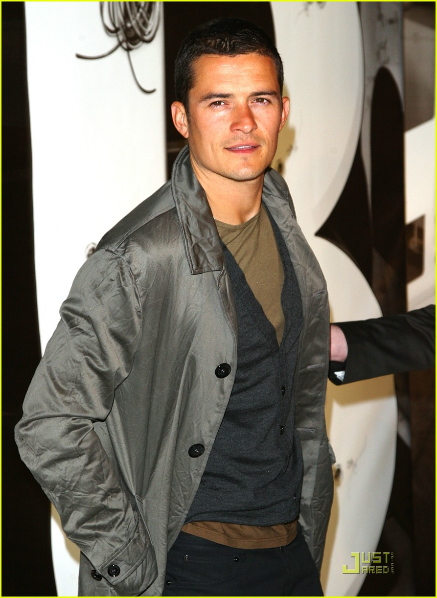 orlando bloom burberry day 16