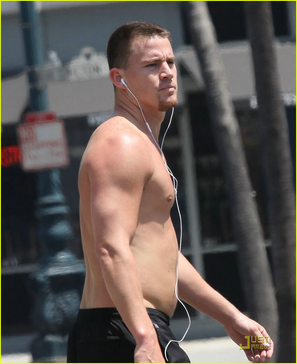 channing tatum shirtless running 011910601