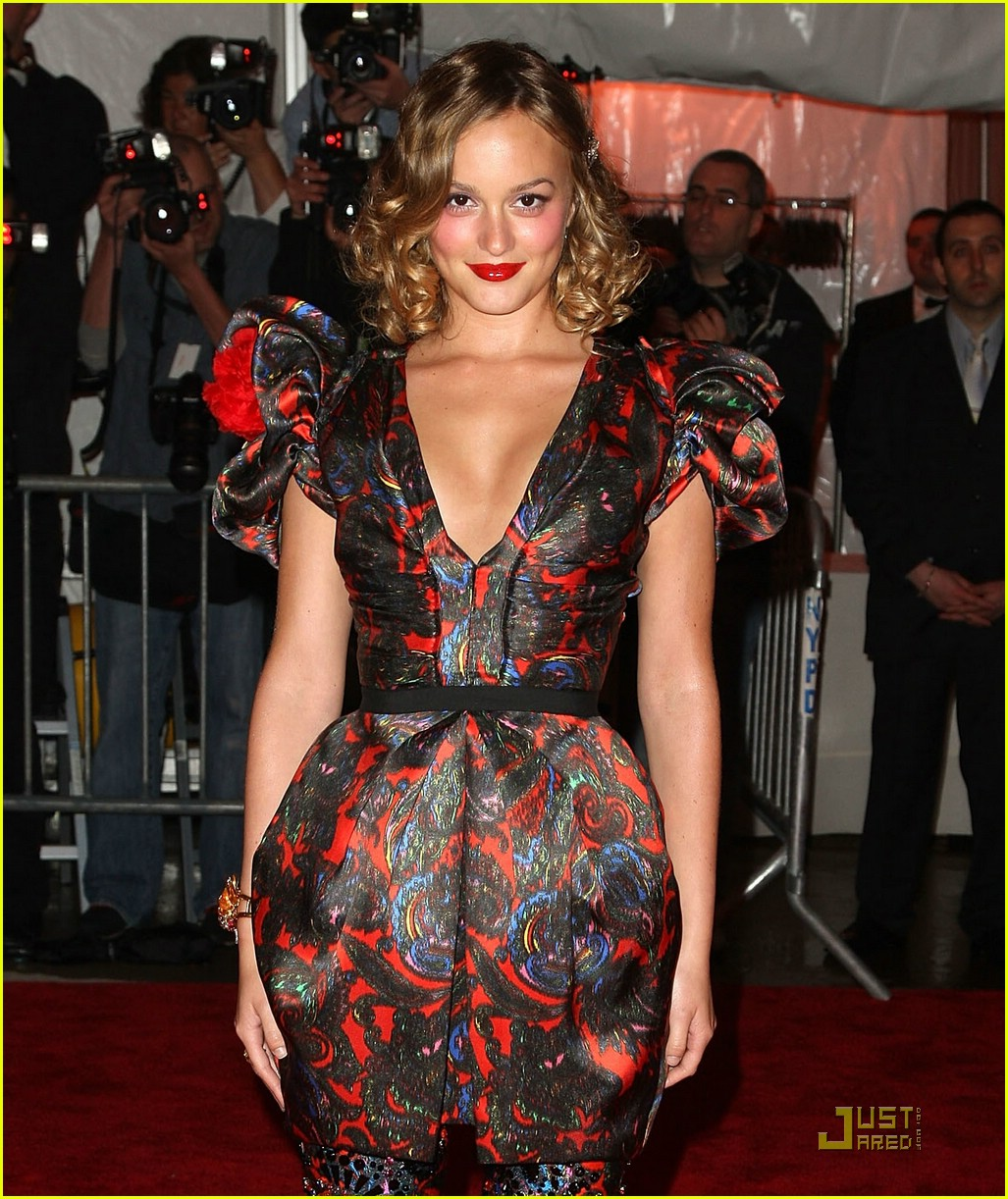 leighton meester met costume institute gala 2009 091899441