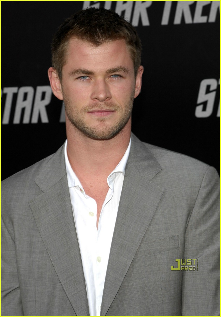 chris hemsworth thor 01
